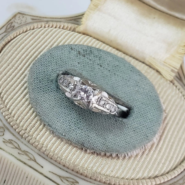 18k white gold Art Deco c.20s ring