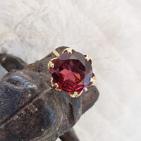 18k Yellow Gold Large Garnet estate Cocktail Ring