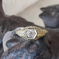 14k gold two tone c.1930s filigree diamond Ring