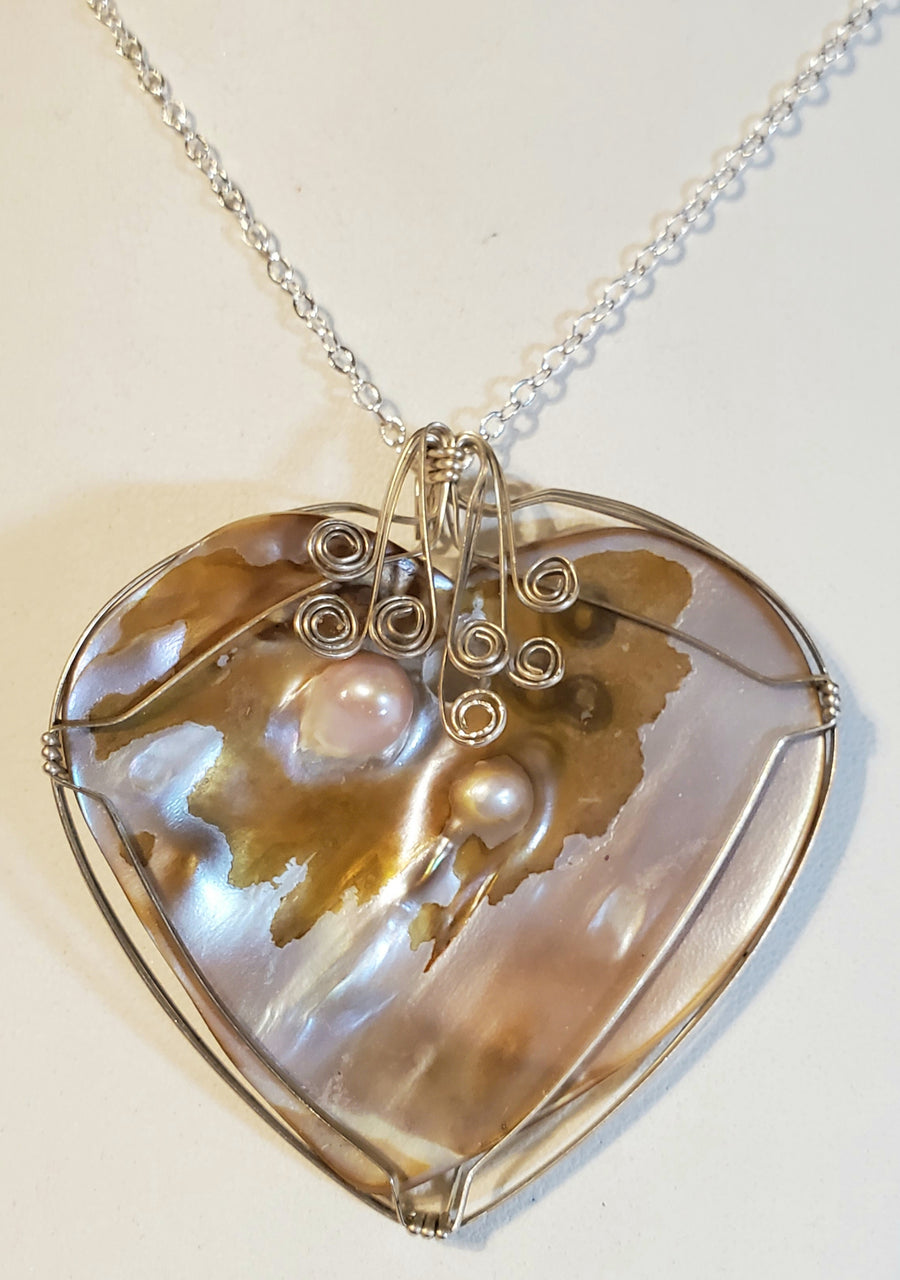 Heart Shell Wire Wrap Necklace