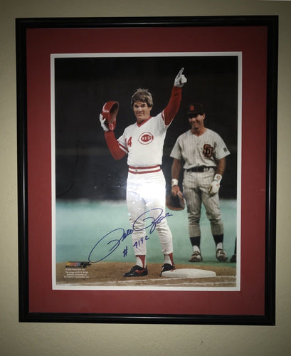 Pete rose signed 16/20 framed/matted hit record photo with Cert of Authenticity