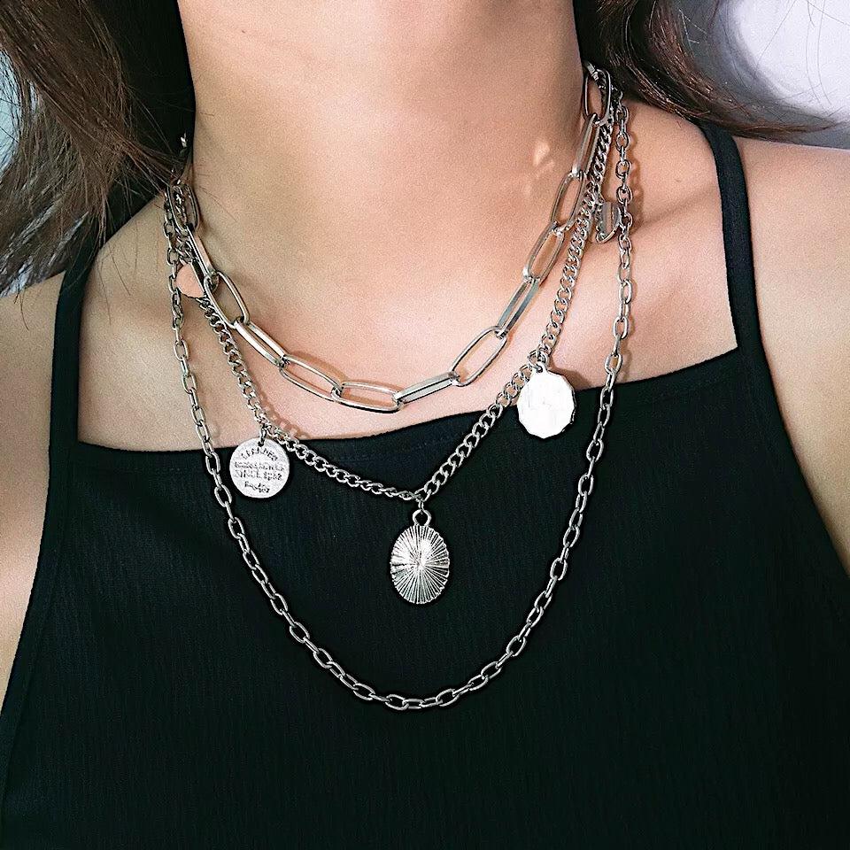 THE SILVER EASTON LAYERED NECKLACE