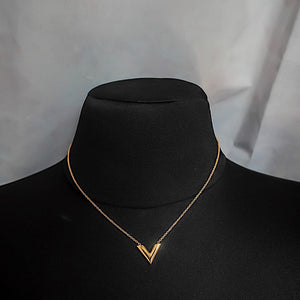 THE V GOLD NECKLACE