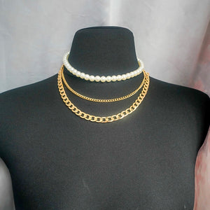 THE GOLD HELSINKI NECKLACE