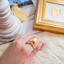 Load image into Gallery viewer, THE PEBBLE STATEMENT RING