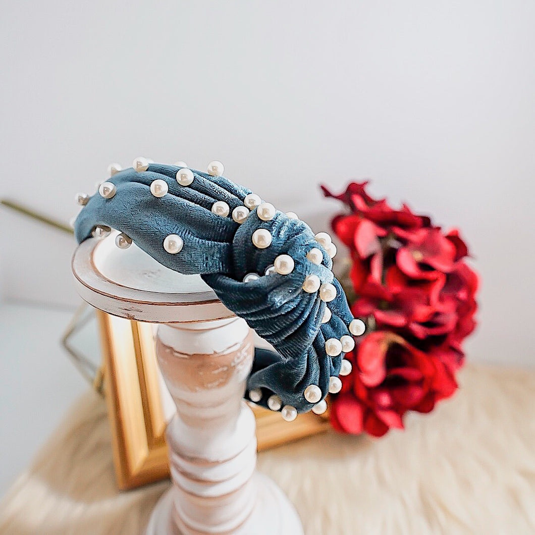 THE AUDREY PEARL HEADBANDS
