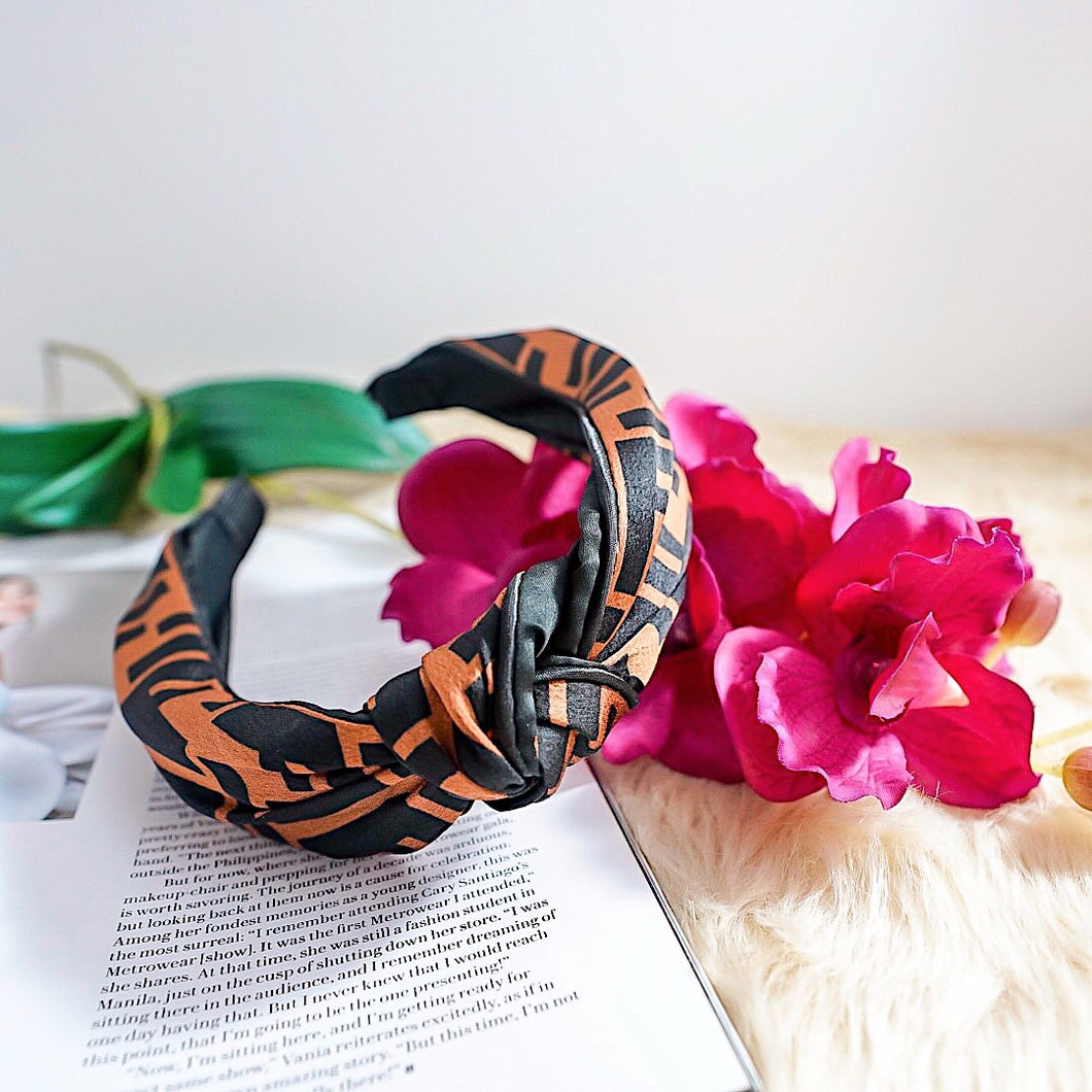 THE KIRBY KNOTTED HEADBAND