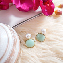 Load image into Gallery viewer, THE WAIKIKI PEARL EARRINGS