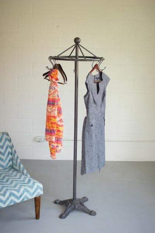 Iron Spinning Clothes Rack with Cast Iron Base