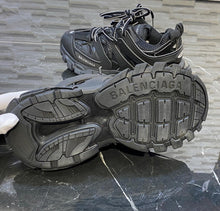 Load image into Gallery viewer, Balenciaga Track Shoes