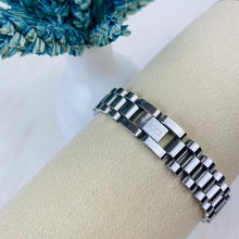 Load image into Gallery viewer, Gucci Bracelet