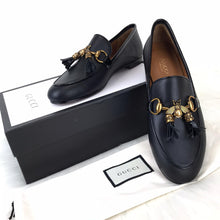 Load image into Gallery viewer, Gucci Jordaan Bee İnterlocking Loafer