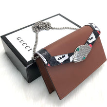 Load image into Gallery viewer, Gucci Lilith Shoulder Bag