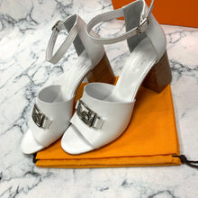 Load image into Gallery viewer, Hermes Heeled Shoes