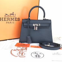 Load image into Gallery viewer, Hermes Mini Kelly 22