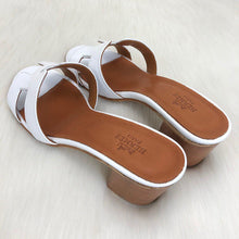 Load image into Gallery viewer, Hermes Oasis Sandals