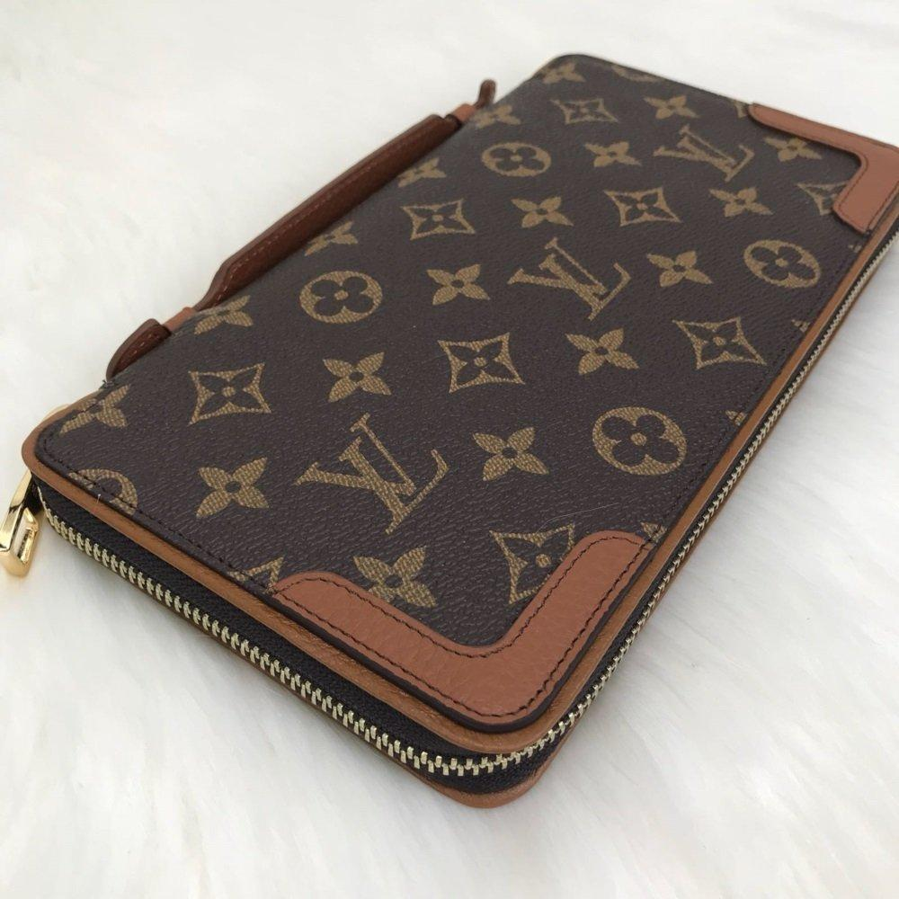 Louis Vuitton XL-Wallet Genuine Leather Hand Waste and Wallet