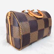 Load image into Gallery viewer, Louis Vuitton Bandouliere Speedy