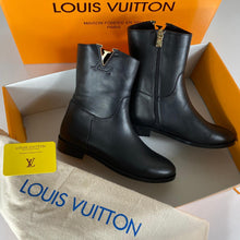Load image into Gallery viewer, Louis Vuitton Heritage Booties