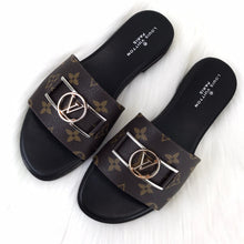 Load image into Gallery viewer, Louis Vuitton Lock it Flat Mule Sandals