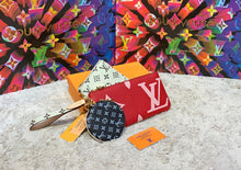 Load image into Gallery viewer, Louis Vuitton Trio Pouch