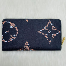 Load image into Gallery viewer, Louis Vuitton Zippy Oversized Logo Wallet