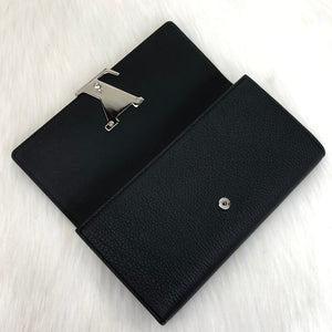 Louis Vuitton Capucines Wallet