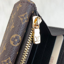 Load image into Gallery viewer, Louis Vuitton Double V Wallet