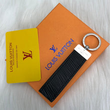 Load image into Gallery viewer, Louis Vuitton Dragonne Key Holder
