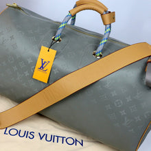 Load image into Gallery viewer, Louis Vuitton Keepall 50 Titanium