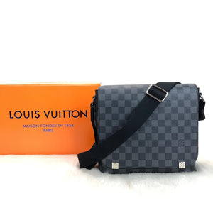 Louis Vuitton New District PM