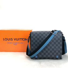 Load image into Gallery viewer, Louis Vuitton New District PM