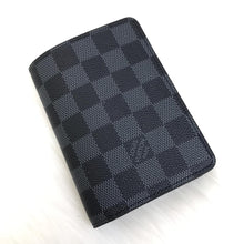 Load image into Gallery viewer, Louis Vuitton Damier Graphite Passport Cover