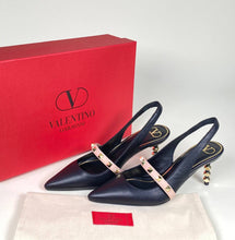 Load image into Gallery viewer, Valentino Rockstud Pumps