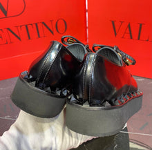 Load image into Gallery viewer, Valentino Sneakers