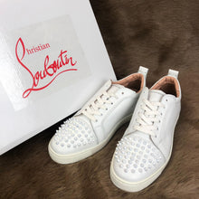 Load image into Gallery viewer, Christian Louboutin Louis Junior Spikes