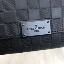 Load image into Gallery viewer, Louis Vuitton District PM
