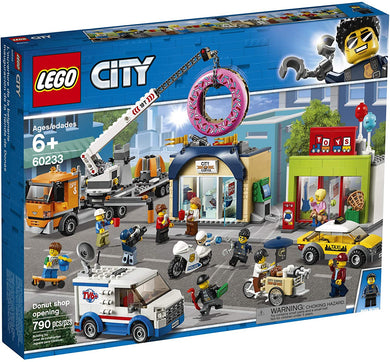 LEGO® CITY 60233 Donut Shop Opening (790 pieces)