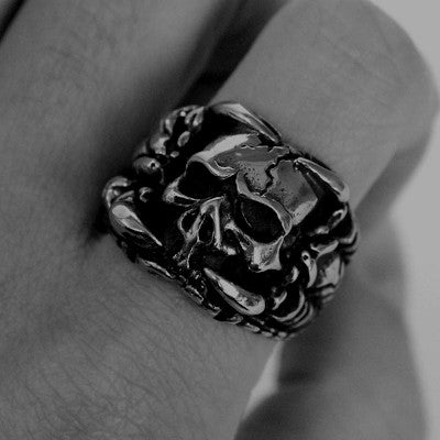bague tete de mort scorpion photo