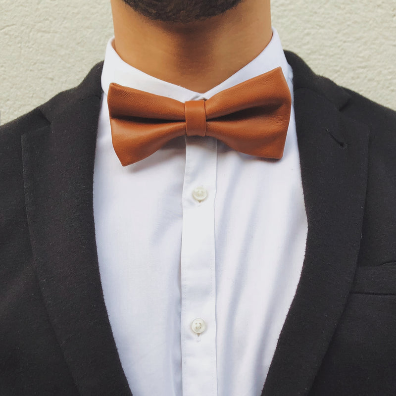 Brown Leather Bow Tie L'Homme de Cuir Camel