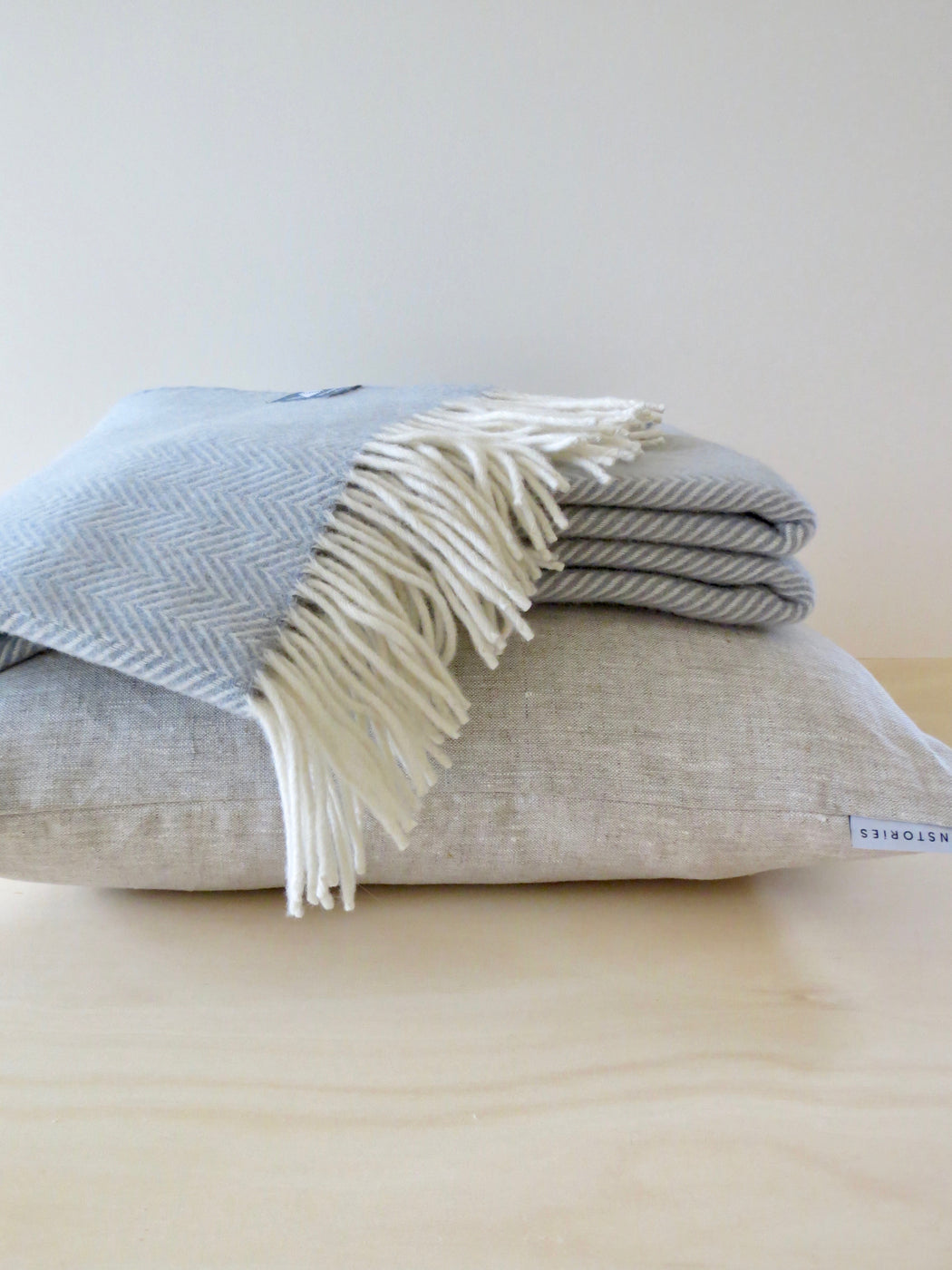 Herringbone Merino wool throw, Frost