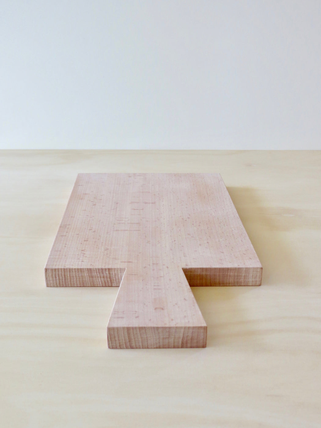 Beech chopping board with handle