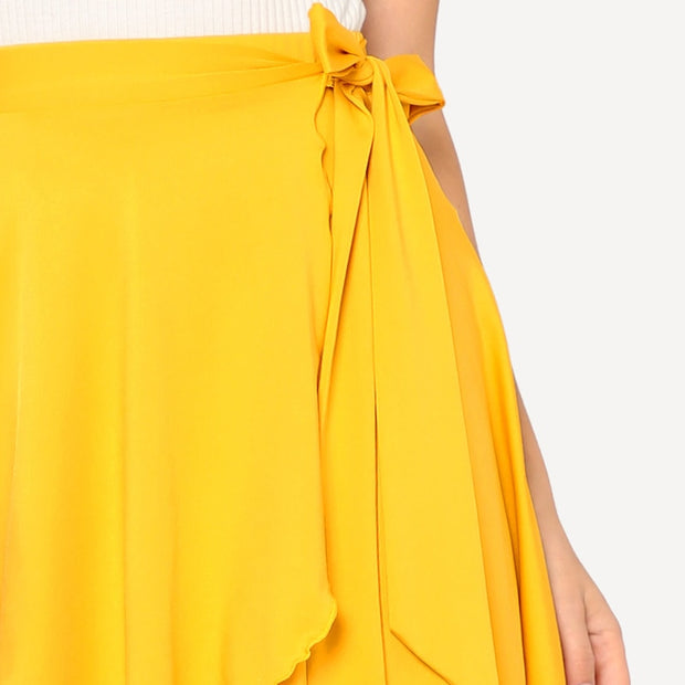 Yellow summer elastic mini skirt