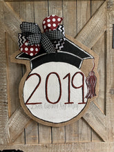 Load image into Gallery viewer, graduation cap door hanger with maroon and black bow