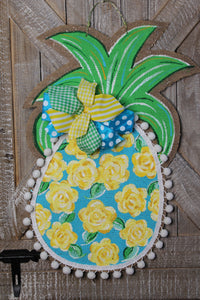 burlap pineapple door hanger, painted pineapple door hanger
