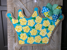 Load image into Gallery viewer, Yellow Lilly Inspired Tiara