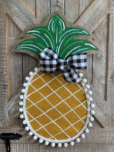 Burlap Pineapple Door Hanger - (Small/Golden/Criss Cross)