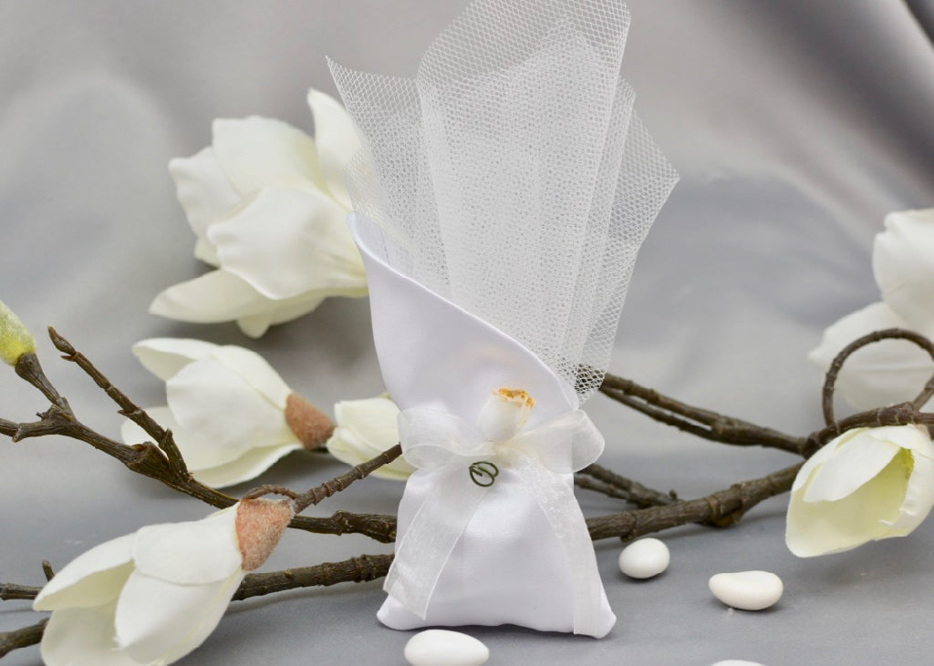 Satin White Pouch Wedding Favor