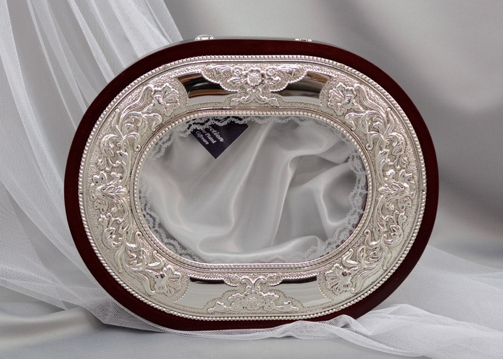 Traditional Oval Crown Case - Stefanothiki