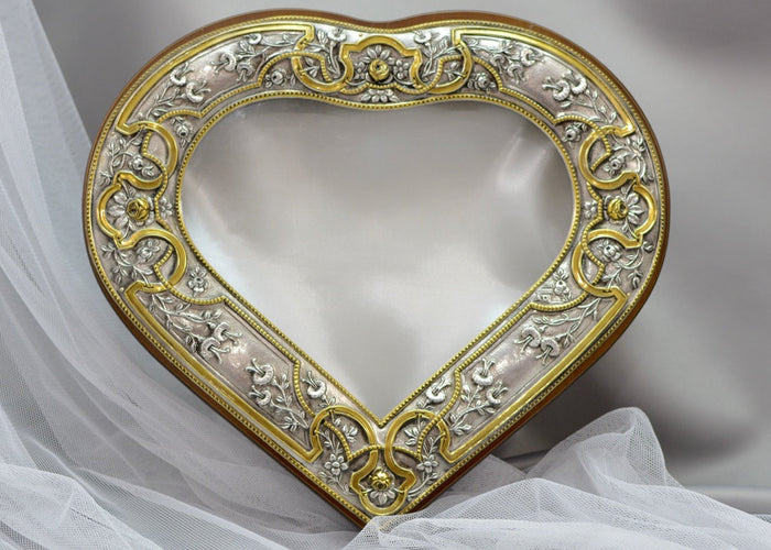 Gold Plated Heart Shape Crown Case Stefanothiki
